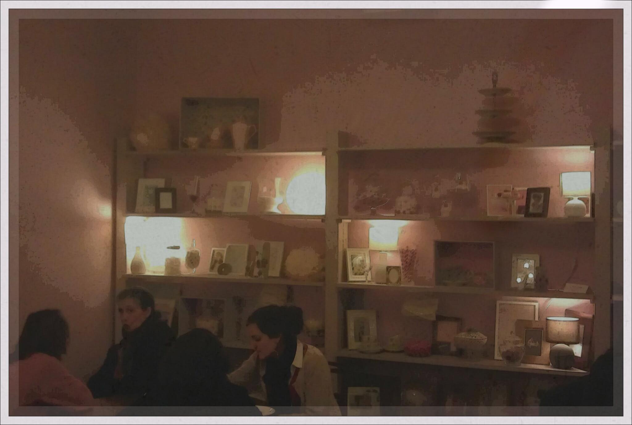 Un lyon dans la cuisine guillemette salon for 2 filles en cuisine lyon