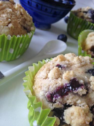 Muffins myrtilles detail for 2 filles en cuisine lyon