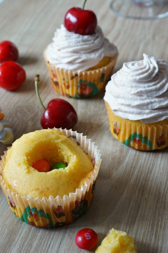 cupcake cerise et skittles