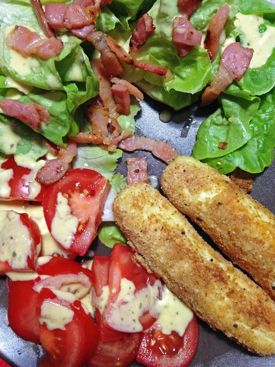 Salade-de-quenelles-panées-et-salade-de-tomates